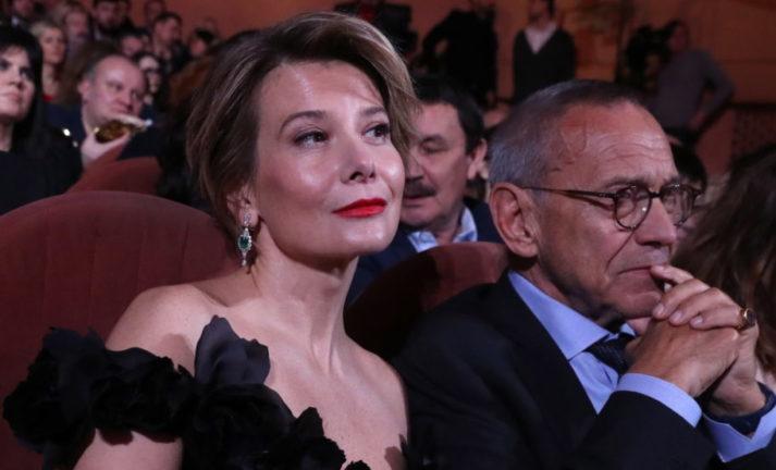 Они давно не живут вместе»: стало известно о крушении брака Андрея  Кончаловского и Юлии Высоцкой