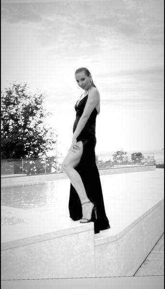 «Опять…»: Татьяна Навка показала округлившийся животик чем порадовала фанатов