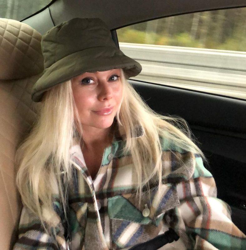 Сбросила лет 10 и похорошела. Новые фото 48-летней Кориковой приятно удивила фанатов