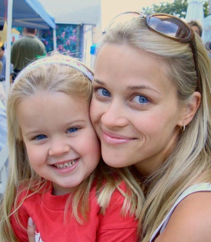 Знаменитости, которые стали мамами в молодом возрасте