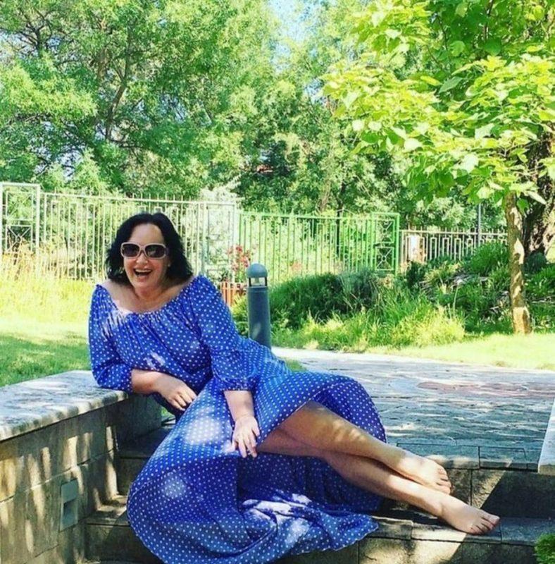 «Бабуля начала шалить». 61-летняя Гузеева опубликовала фото coмнитeльнoгo характера