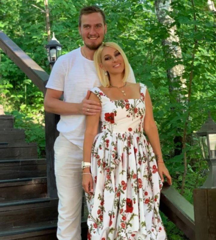 «Домик в деревне»: Лера Кудрявцева и Игорь Макаров опубликовали фото уютного гнёздышка