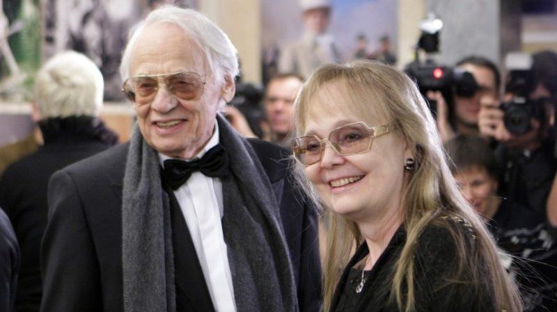 «Стала мамой в 56 лет»: как сложилась жизнь Натальи Белохвостиковой, с 93-летним мужем режиссером