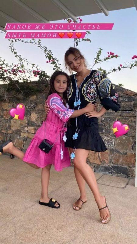 «Быть мамой — это большое счастье»: Ани Лорак выложила в Сеть фото с подросшей дочкой