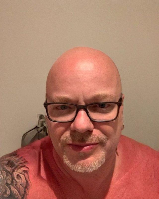 Ни одной волосинки не осталось: 53-летний Пресняков окончательно облысел
