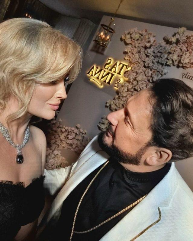 «Силиконовая Зина». Михайлов опубликовал фото жены, изрядно удивившее фанатов