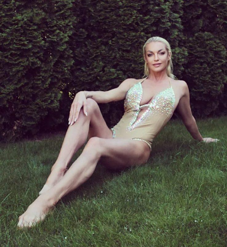 «Костлявая до безобразия»: фото резко похудевшей Анастасии Волочковой обсуждает вся Сеть