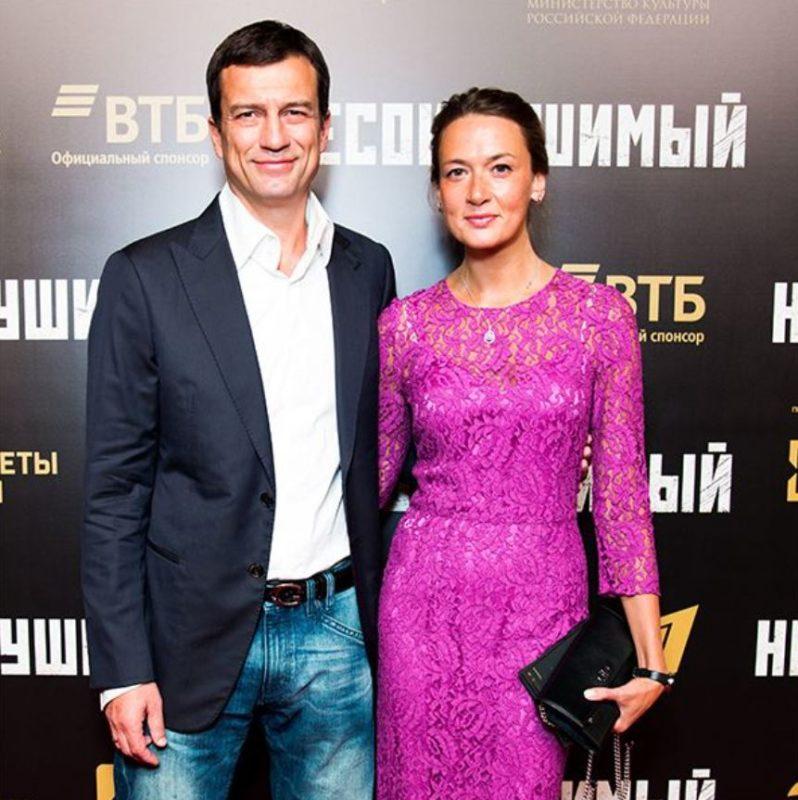 Андрей Чернышев женился на неприметной девушке: как сейчас выглядит супруга