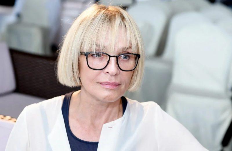 «На склоне лет стала брюнеткой»: 67-летняя Лайма Вайкуле кардинально сменила имидж